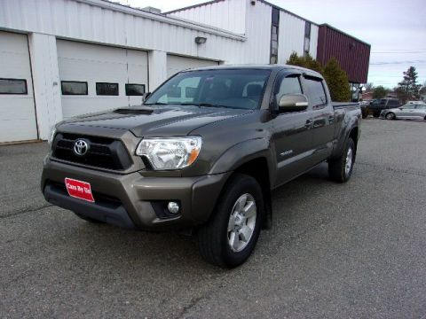Pre-Owned 2015 Toyota Tacoma DBL CAB LB 4WD V6